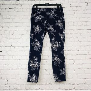 Women's Gap blue flower dress pants size 6R